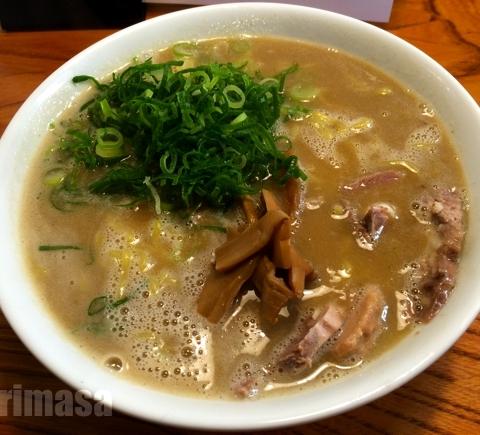 天骨庵 慶心 - 濃厚スープを卓上の調味料で味変