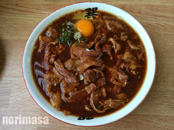 巽屋 - 見た目ほど醤油辛くないスープ