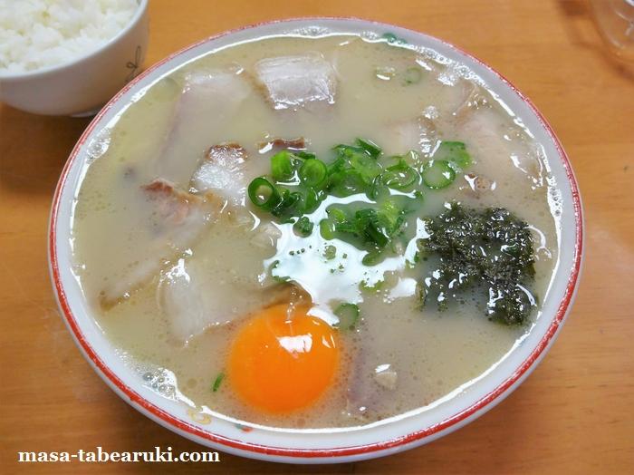 岡本中華 - 徳島ラーメンルーツの「白系」